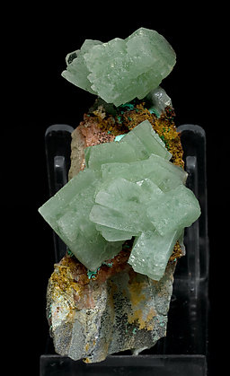 Baryte with Malachite and inclusions of Malachite. Front
