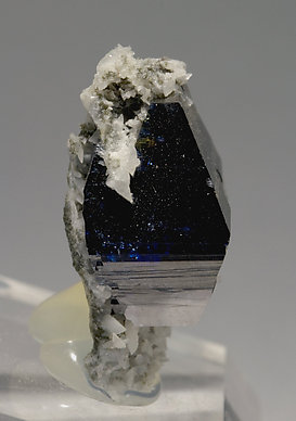 Anatase with Albite. Side