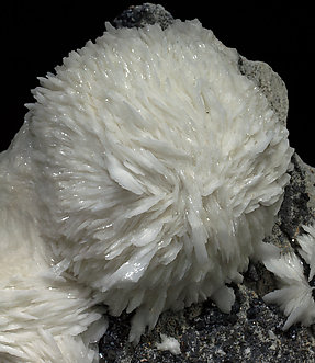 Baryte with Sphalerite.