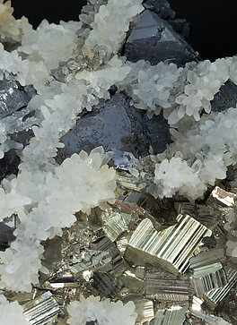 Sphalerite with Pyrite and Quartz.