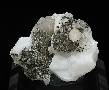 Bavenite with Pyrite, Fluorite and chlorite.