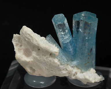 Beryl (variety aquamarine) with feldspar. Rear