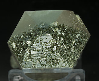 Quartz with Chlorite, adularia and Muscovite. Top