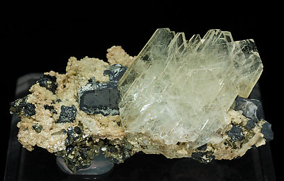 Baryte with Galena, Siderite and Pyrite.