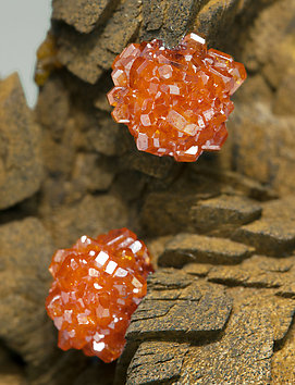 Vanadinite with Siderite.