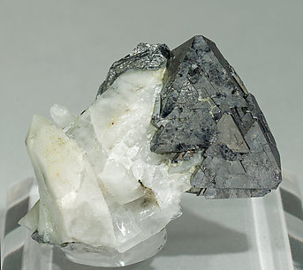 Gersdorffite with Calcite and Quartz.