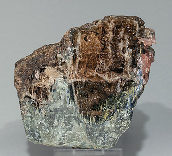 Correianevesite with Huréaulite and Rockbridgeite. Rear