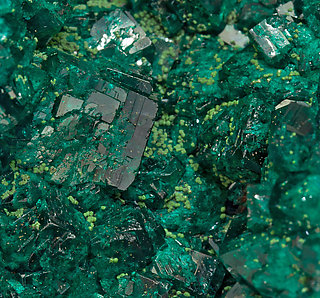 Dioptase with Bayldonite.
