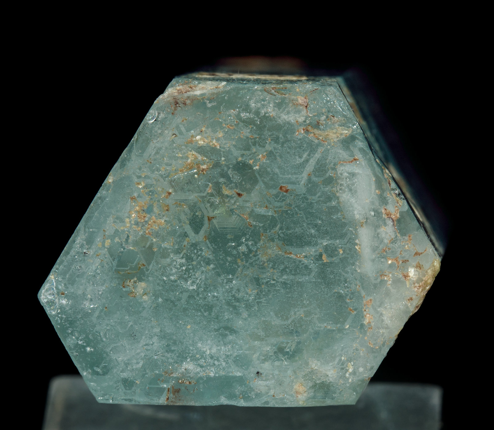 specimens/s_imagesY4/Beryl_aquamarine-VE72Y4b.jpg