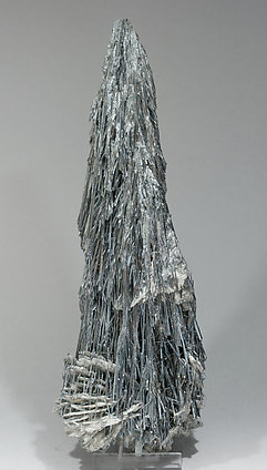 Stibnite with Baryte. Rear
