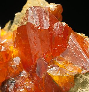 Orpiment. Light behind
