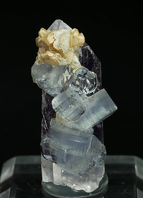 Fluorapatite with Quartz and Siderite. Side