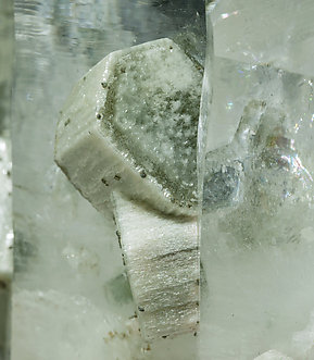 Quartz with Fluorapatite and Chlorite.