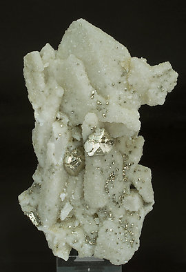 Pyrite on Quartz and Calcite-Dolomite. Front