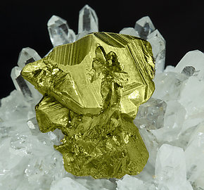 Chalcopyrite with Quartz and Calcite.