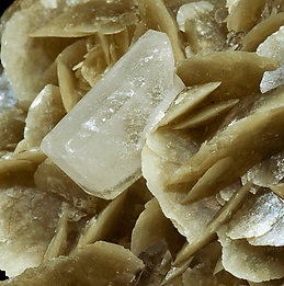 Siderite with Quartz and Baryte.