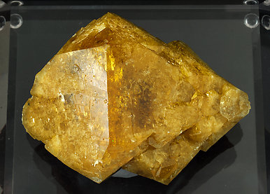 Scheelite with Calcite. Top