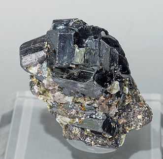 Ixiolite with Muscovite. Front