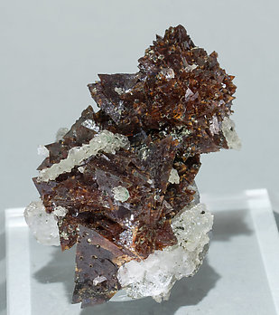 Helvine-Genthelvite with Quartz.