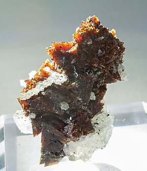 Helvine-Genthelvite with Quartz. Light behind